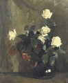 White rozes in a black vase - Floris Arntzenius